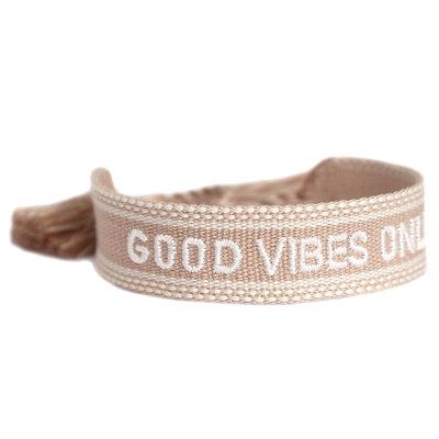 Gewebtes armband good vibes only sand