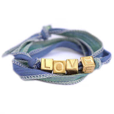 Love wrap blue green