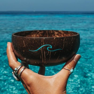 Salty Luxe wave coconut bowl & spoon combo limited edition